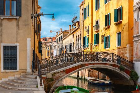 casa costruzione citta venezia facciata canale