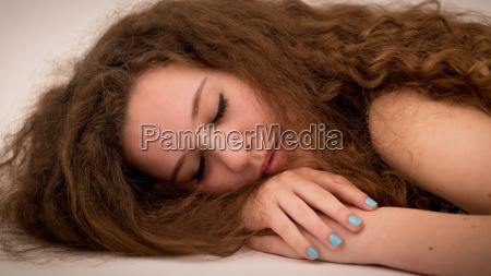 donna zenzero giovani capelli bellezza riccioli