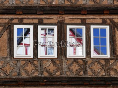 finestra riflesso timpano