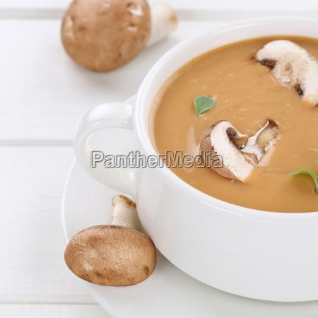 funghi fungo champignon sani zuppa sano