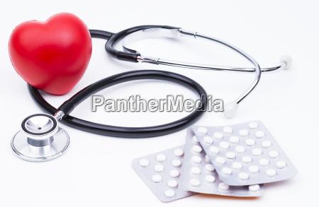 stethoskop tabletten und herz