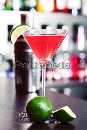 taverna bar bicchiere bere alcool bottiglia