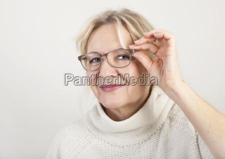donna risata sorrisi faccia ritratto occhi