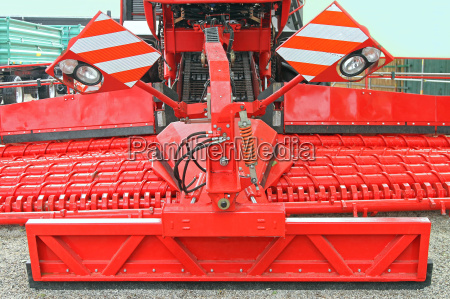 macchinario agricoltura veicolo attrezzatura equipaggiamento mietitrice