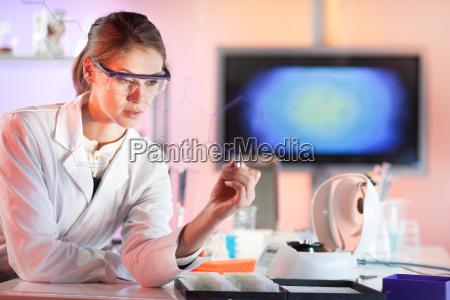 ricercatore di scienze della vita che