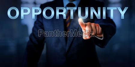 imprenditore maschile premendo opportunity