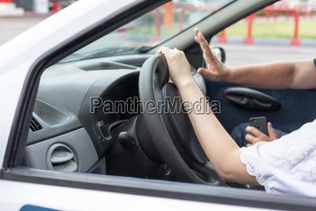 scuola guida imparare a guidare una