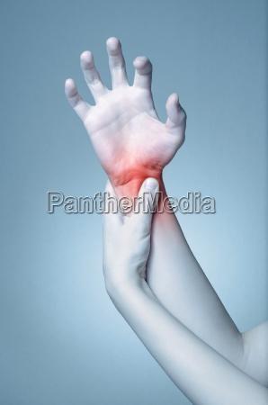 donna mano dolore polso artrite