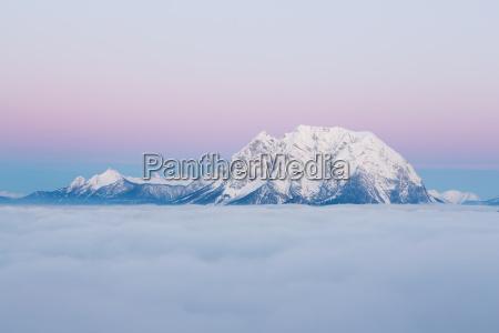 inverno alba montagna natura nuvole