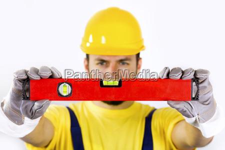 controllo qualita operaio edile con