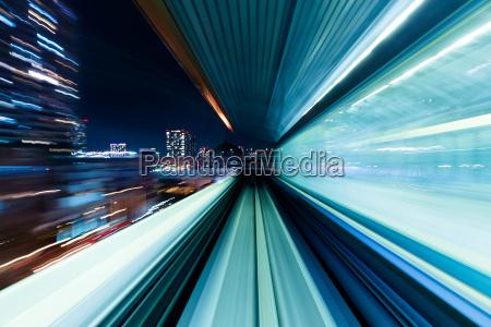 motion blur di treno in movimento