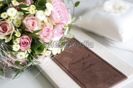 libro di famiglia bouquet da sposa