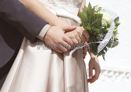 mani di bouquet da sposa