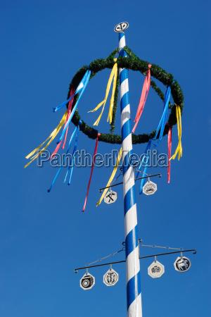 blu baviera tradizione maggio birreria albero