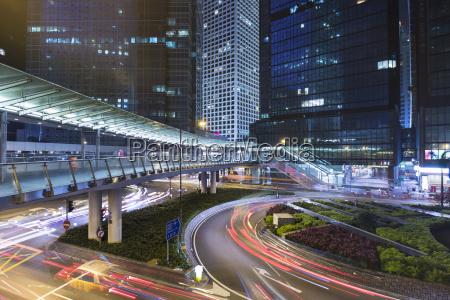 viaggio viaggiare citta traffico ponte notte
