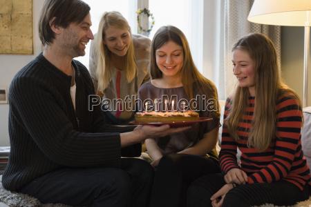 risata sorrisi cibo candela freschezza guardare