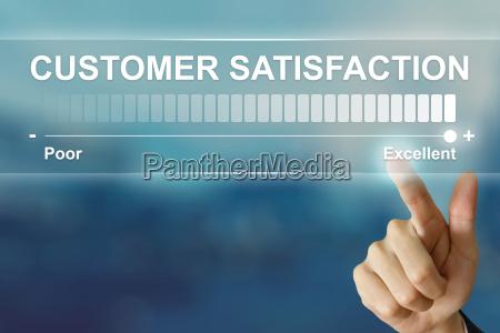affari mano cliccando soddisfazione del cliente
