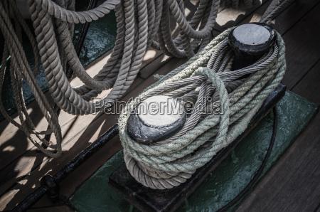 le corde intrecciate nelle baie su