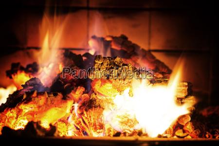 legno avvento fuoco incendio di sera