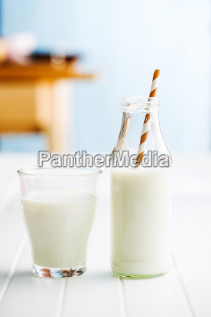 bicchiere cibo bere latte mungere industria