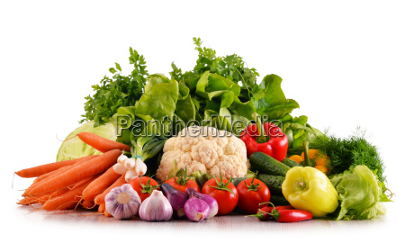 varieta di verdure fresche biologiche isolato