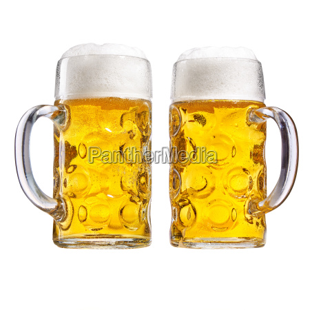 due boccali di vetro di birra