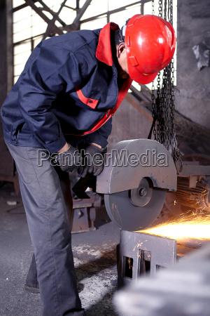 pericolo industria impianti industriali virile mascolino