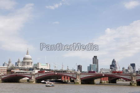 blackfriars bridge and city of london