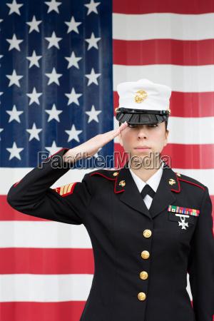 donna primo piano close up uniforme