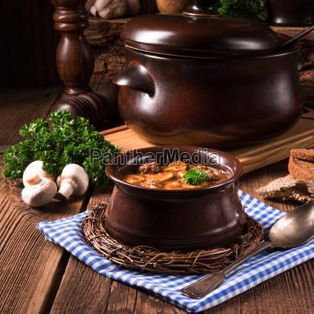 cibo carne di vitello zuppa di
