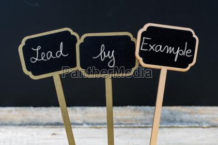 scrivere lavagna pannello educazione progettazione concetto