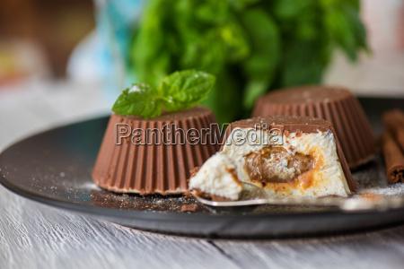 dessert da panna e cioccolato
