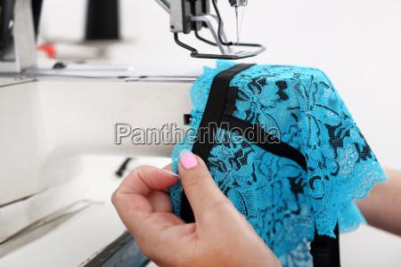 fabbrica produzione cucire macchina da cucire