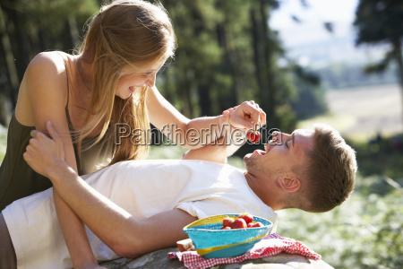 persone popolare uomo umano risata sorrisi