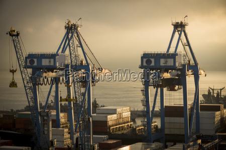 viaggio viaggiare costruzione citta turismo porto
