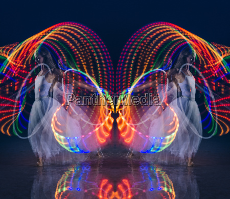 movimento in movimento femminile notte luci