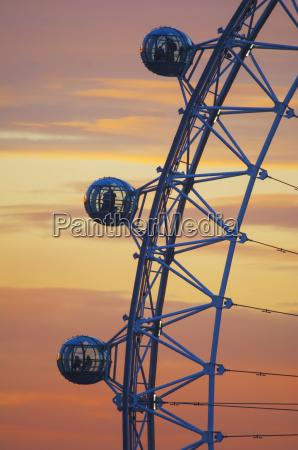 detail of london eye at sunset