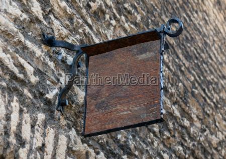 vuoto stile medievale segnaletica esterna mockup