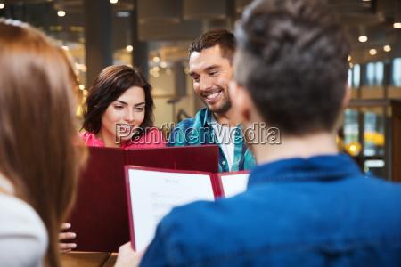 donna caffe ristorante persone popolare uomo
