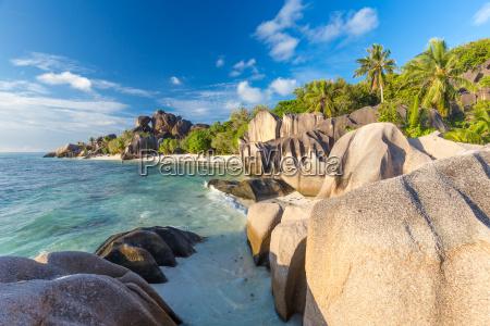 bella anse source dargent spiaggia tropicale