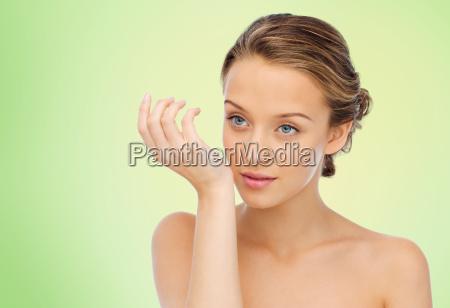 donna odore profumo dal polso della