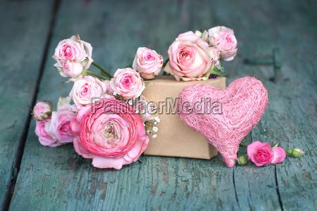 bodegon en rosa para el dia