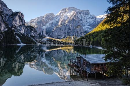 italia alto adige lago di braies
