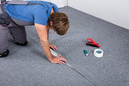 tappeto tappeti moquette impiantare installare falegnameria
