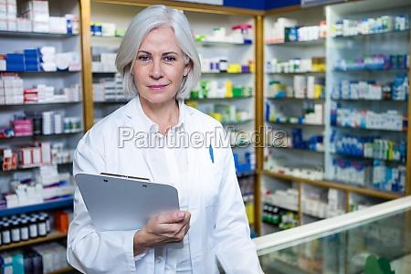 dottore medico donna accordo avoro salute