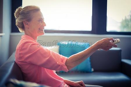 donna casa costruzione risata sorrisi tempo