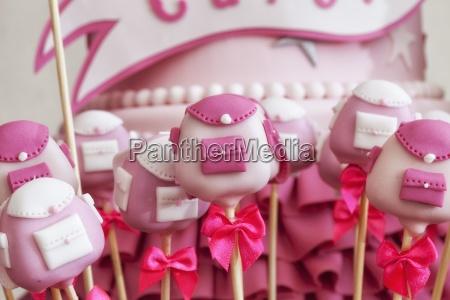 pops torta rosa a forma di