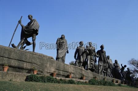 viaggio viaggiare arte colore statua asia