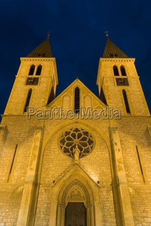 viaggio viaggiare religioso cattedrale notte europa