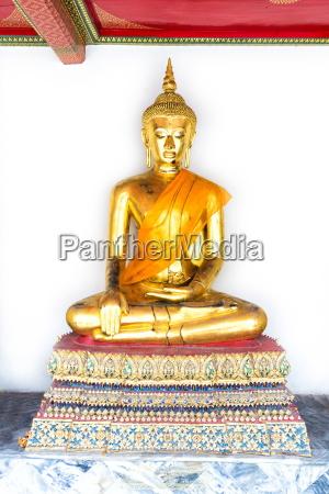 golden buddha image wat pho bangkok